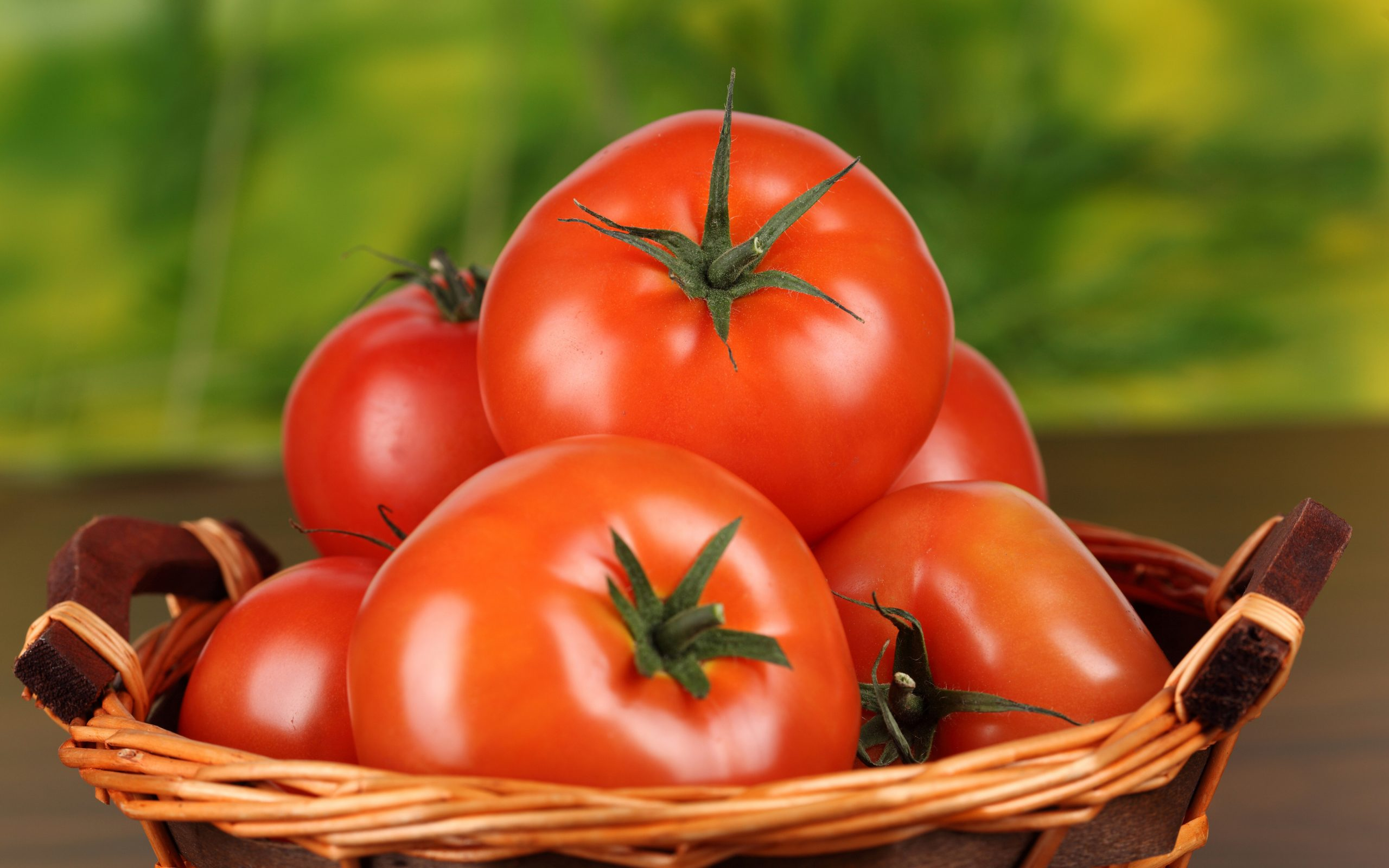 tomate para remover manchas do rosto