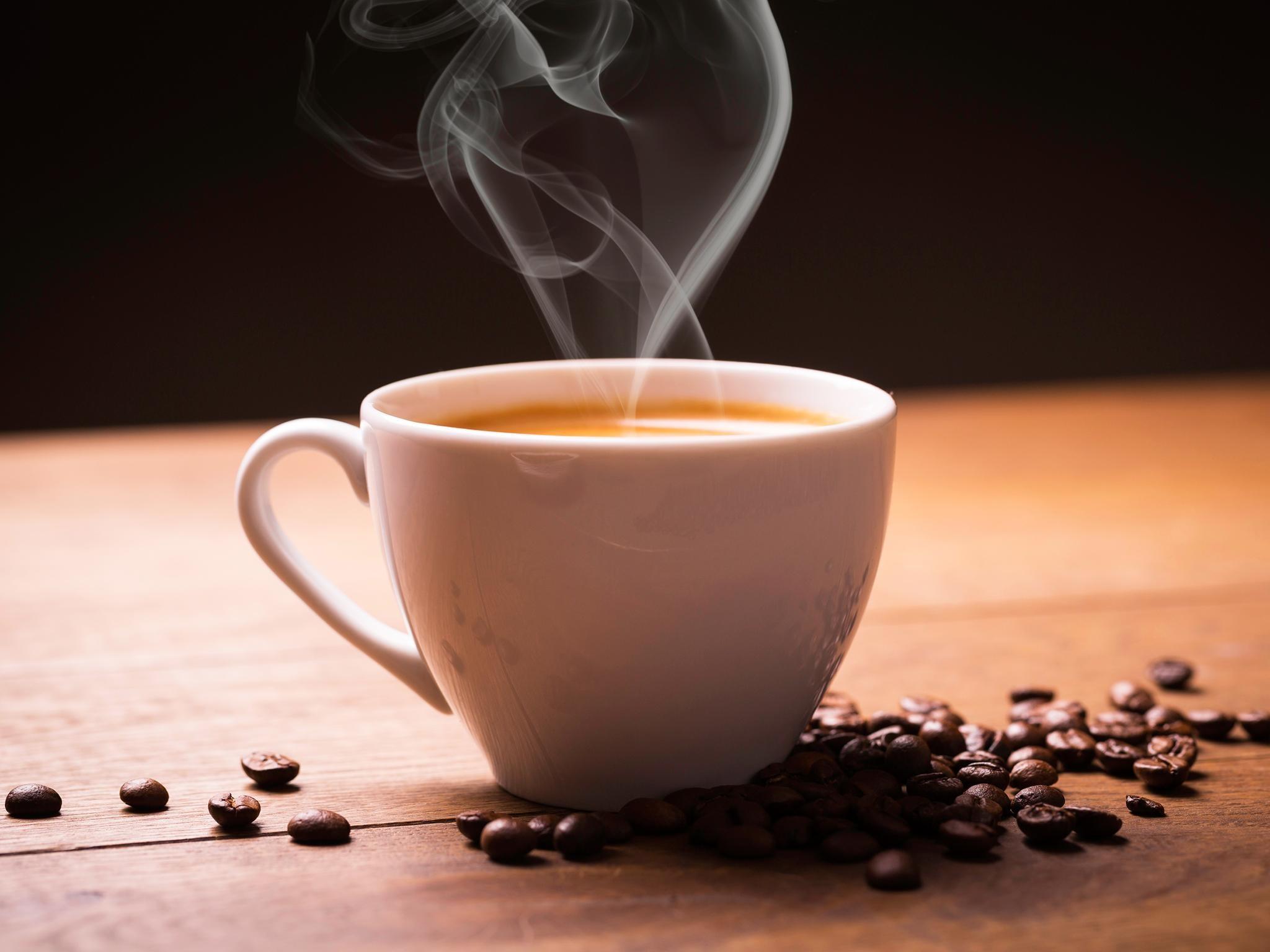 o café aumenta o desempenho físico e a resistência