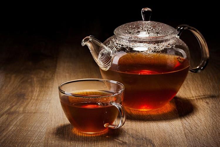 possíveis efeitos colaterais do chá preto