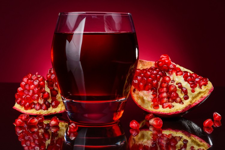 quais os benefícios do suco de romã?