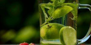 agua de limao em jejum