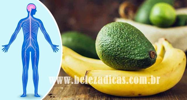 comer uma banana e um abacate