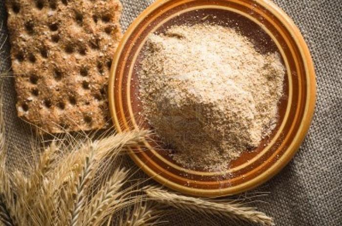 Farinha de trigo no cabelo