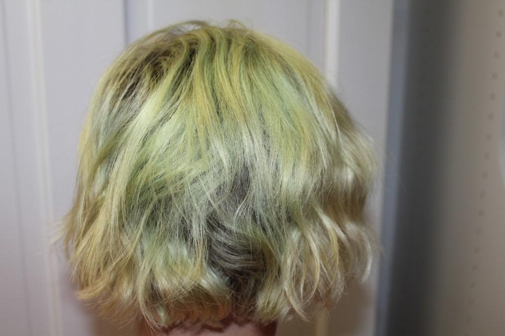 como tirar a cor verde do cabelo