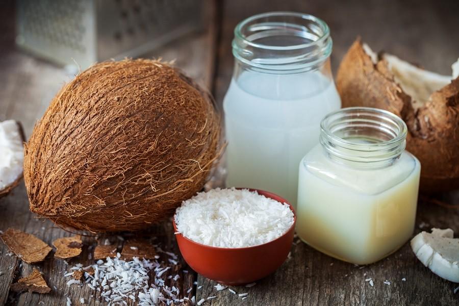 leite de coco para o cabelo