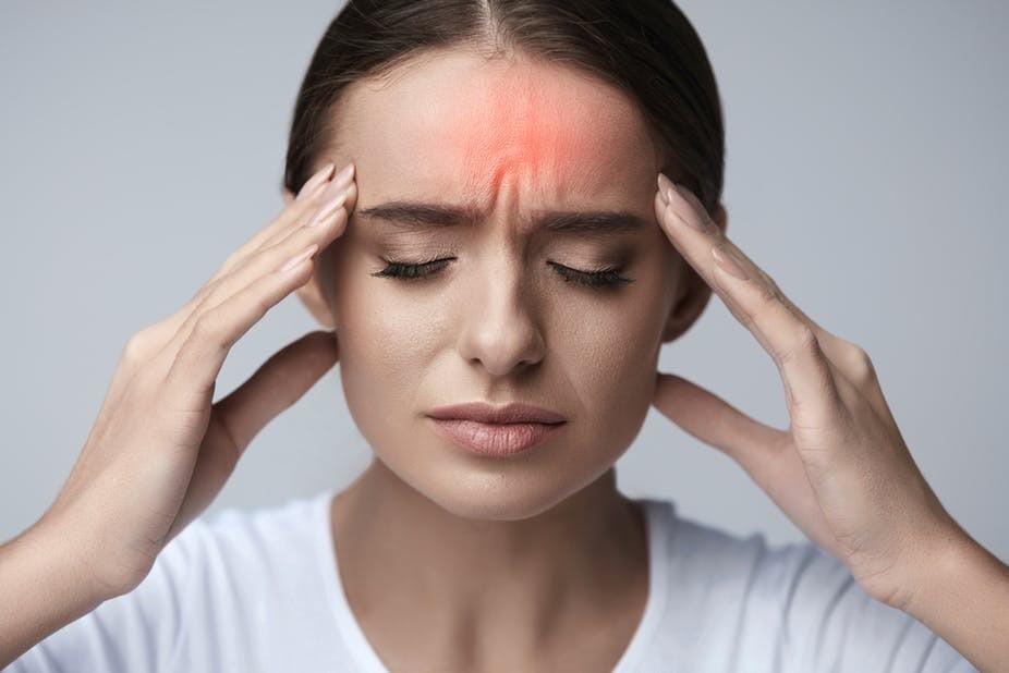 o óleo combate dores de cabeça de tensão ou enxaqueca