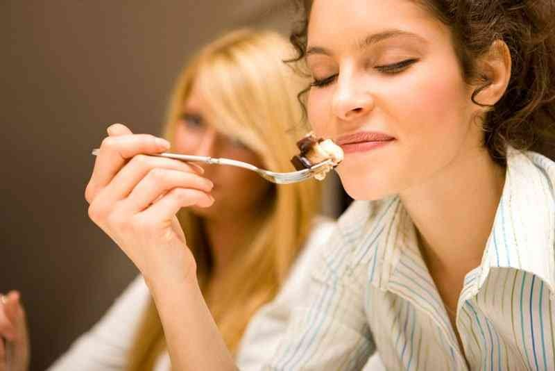 Razões Para Você Comer Devagar