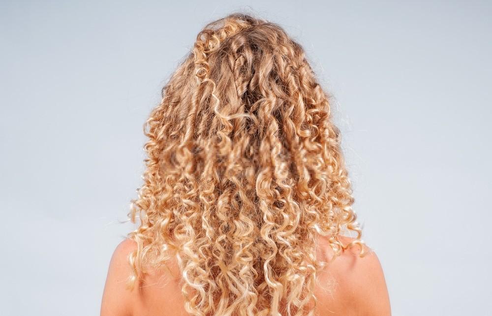 cabelo cacheado com volume