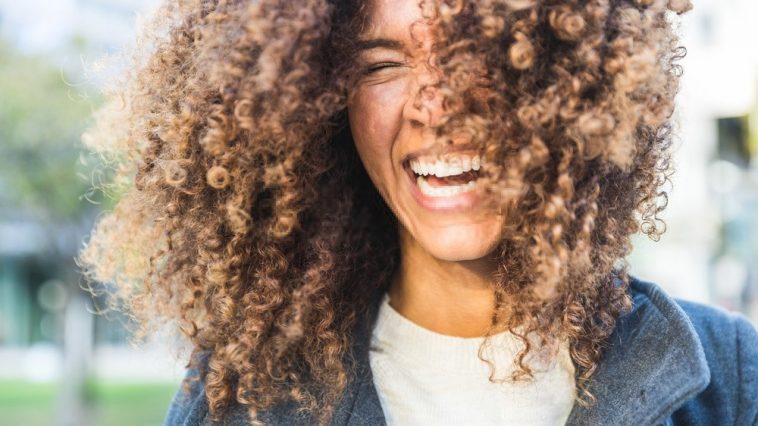 cabelo cacheado técnica para secar e dar mais volume