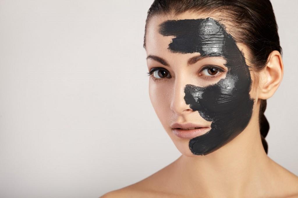 mascara de carvao