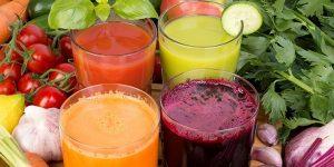 sucos para combater o cancer naturalmente