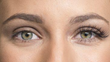 soro de óleo de mamona para crescer sobrancelhas
